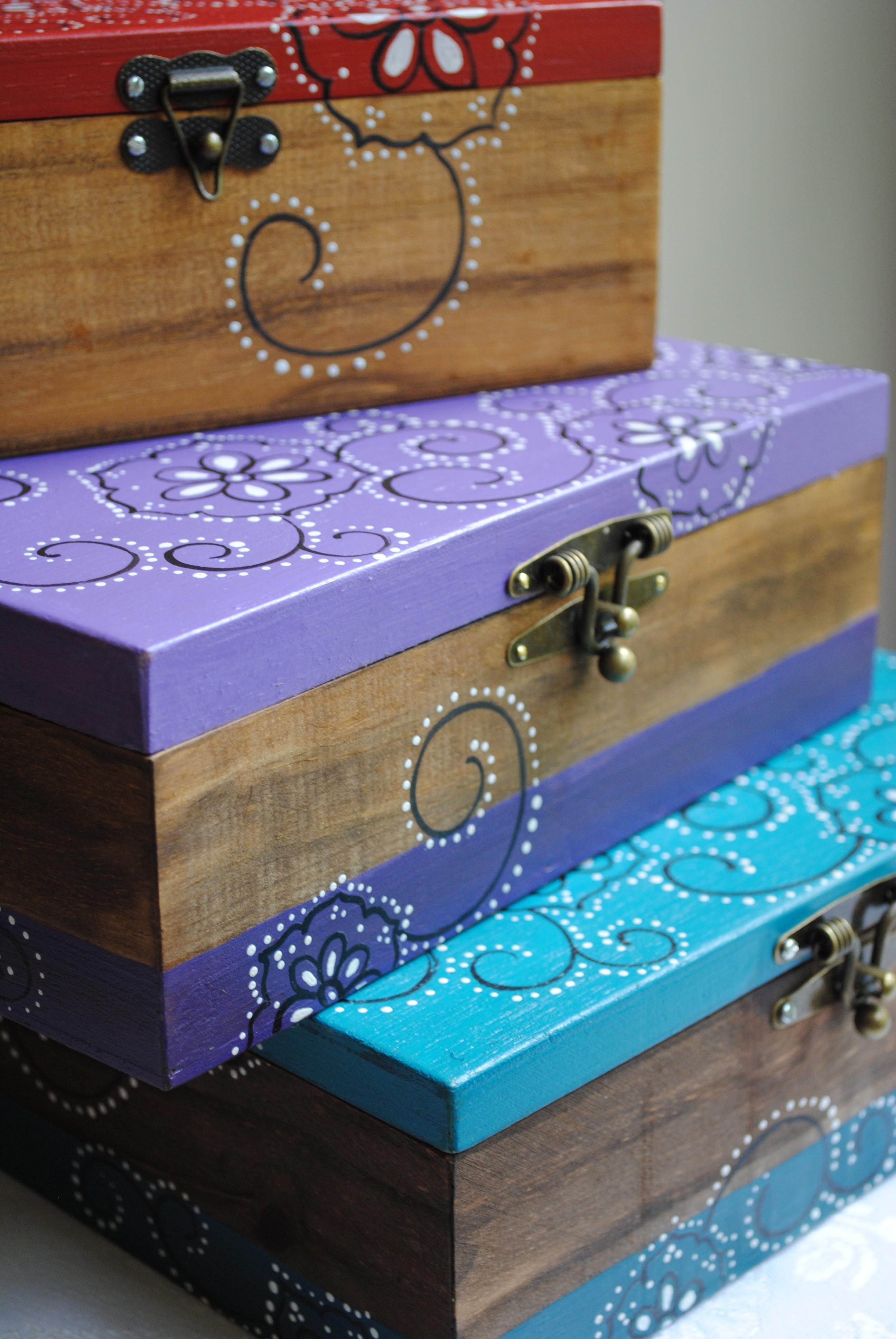Ordem – Caixas e mais caixas de madeira Arte Amiga #1A97B1 2592x3872